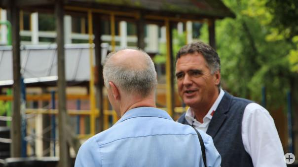 Bürgermeister Thomas Hölsch im Gespräch mit Thomas Poreski